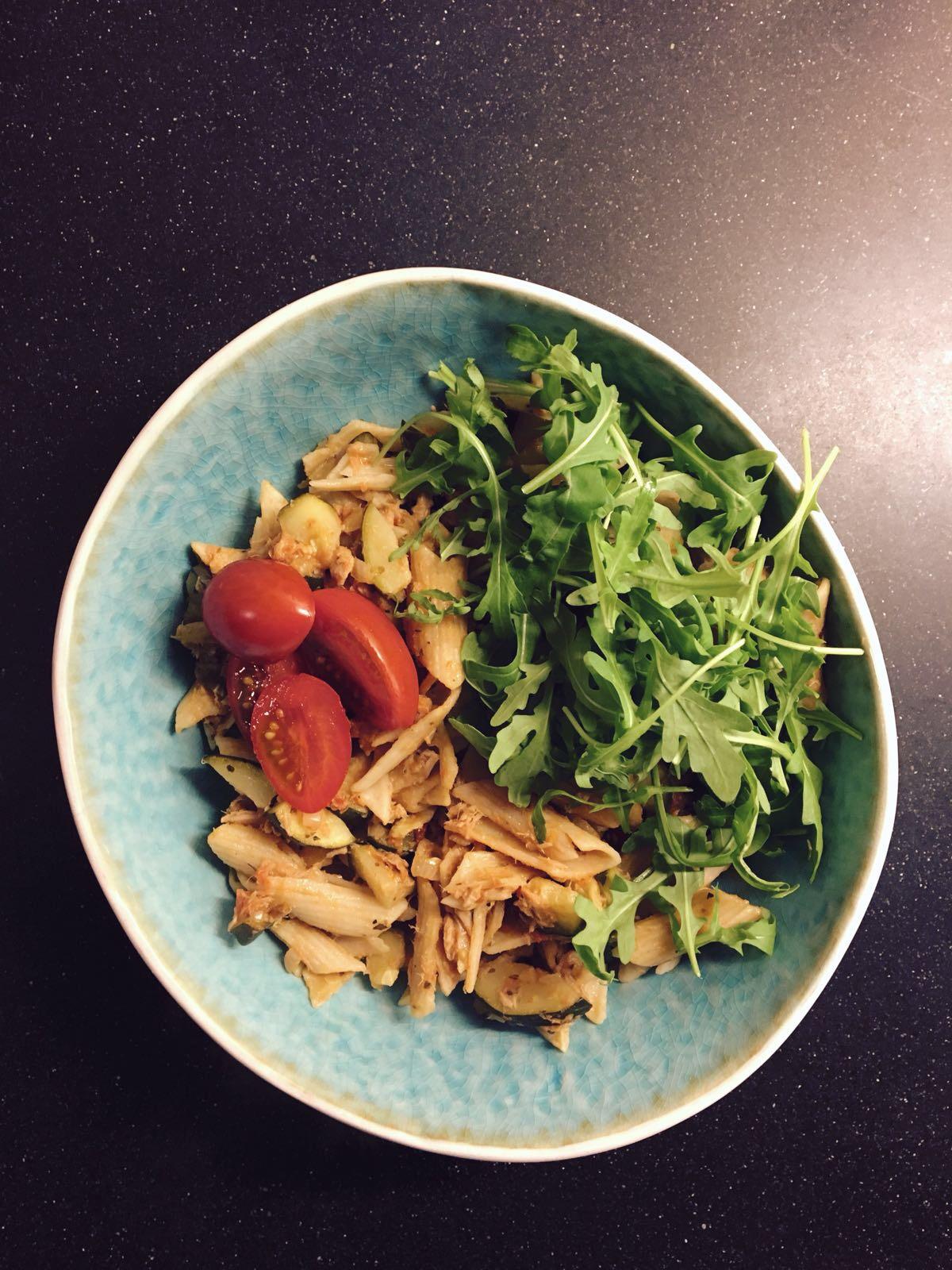 makkelijke gezonde pasta met tonijn