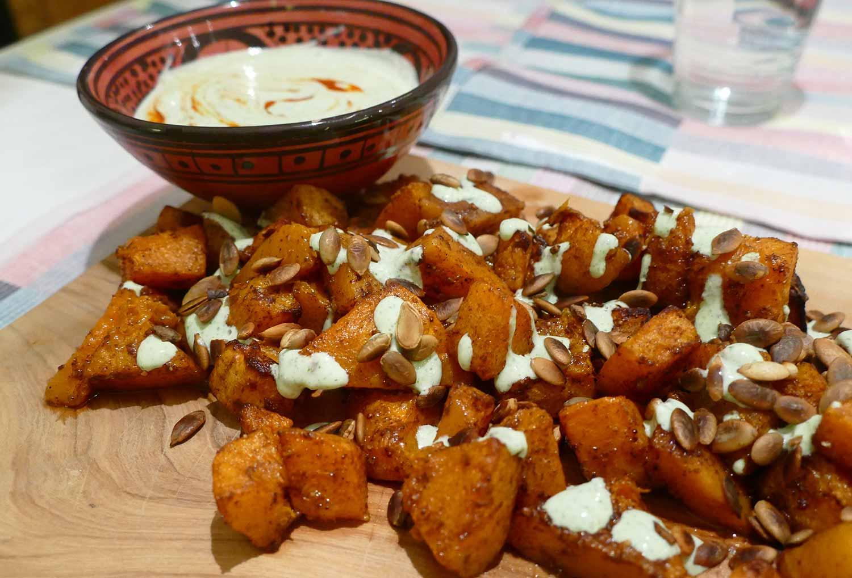 Gegrilde pompoen met chili-koriander yoghurt