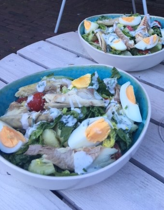 frisse zomerse salade met makreel